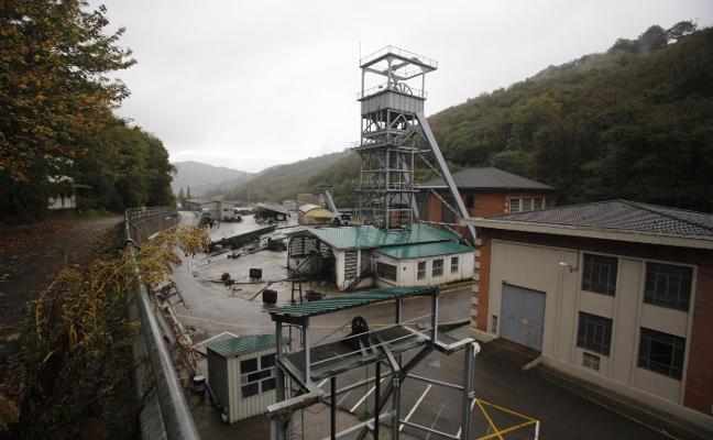 El Principado trabajará «intensamente» para mantener la minería más allá de este año