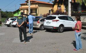 Provocan daños en al menos ocho vehículos en Llames de Pría