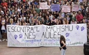 Alumnos de Psicología piden la suspensión «cautelar» del profesor expedientado