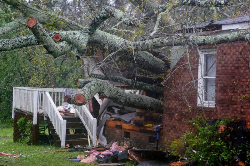 Cinco muertos y daños castastróficos al paso de la tormenta tropical 'Florence'