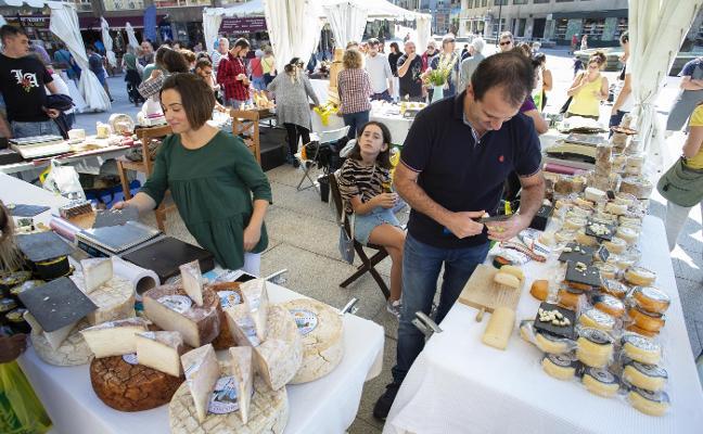 Cita con cuarenta variedades de quesos en la plaza del Marqués