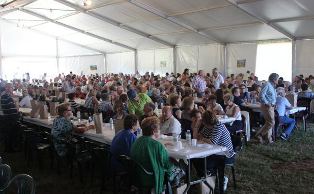 650 mayores se reúnen en Moniello