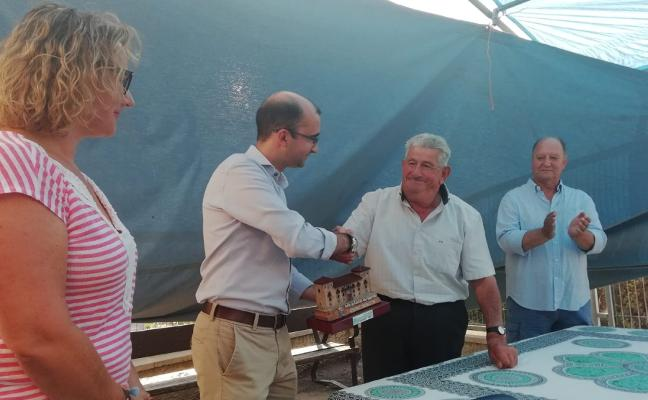 Homenaje a José Lozano tras 54 años al frente de Cueiras