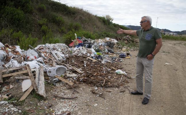Los vecinos de la zona rural alertan de la «proliferación» de vertederos ilegales