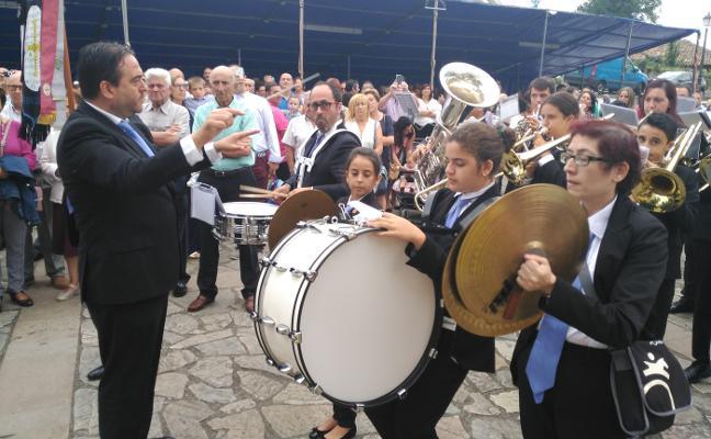 San Martín de Luiña estrena himno