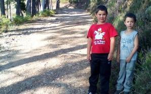 Dos niños no irán a clase al no llegar el autobús a su pueblo de Allande