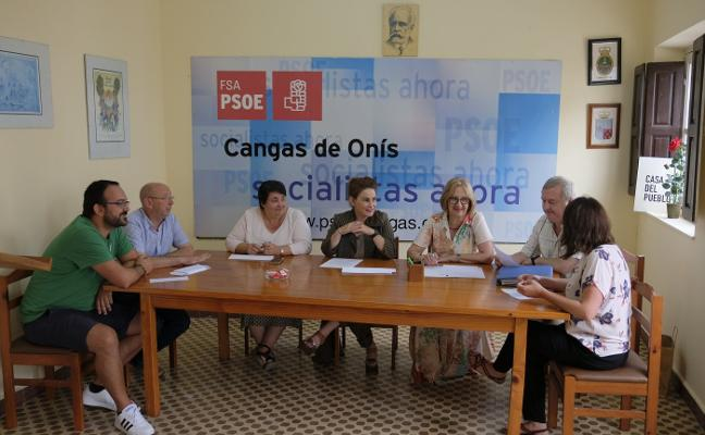 El PSOE cangués creará mesas vecinales para redactar su programa