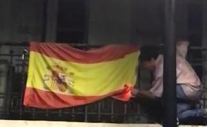 PP y Ciudadanos muestran su repulsa al intento de quema de una bandera de España en Oviedo