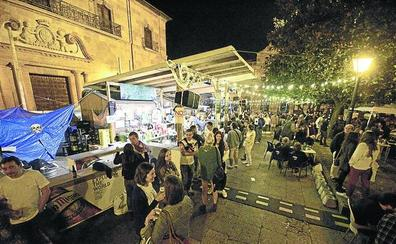 El concejal de Cultura de Oviedo considera una «ópera bufa» que se prohíba comer carne en el chiringuito de San Mateo
