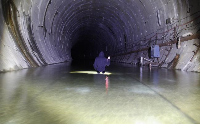 Fomento confía en poder iniciar el vaciado de agua del túnel «a primeros de octubre»