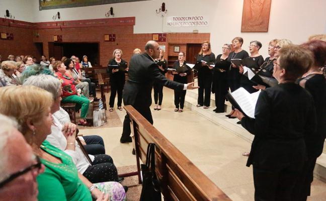 Música coral en la iglesia de San Nicolás de Bari