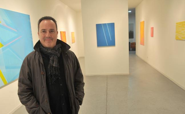 El Museo de Bellas Artes saca lustre a sus vidrios y lozas con una exposición