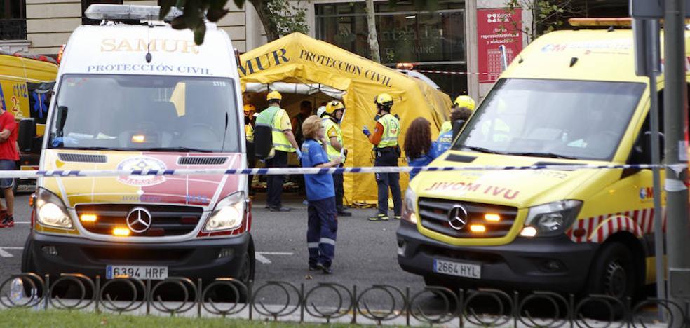 Un muerto y once heridos al desplomarse un forjado en las obras del hotel Ritz de Madrid