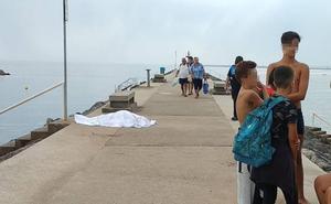 Muere un hombre de 78 años mientras se bañaba en la playa de Candás