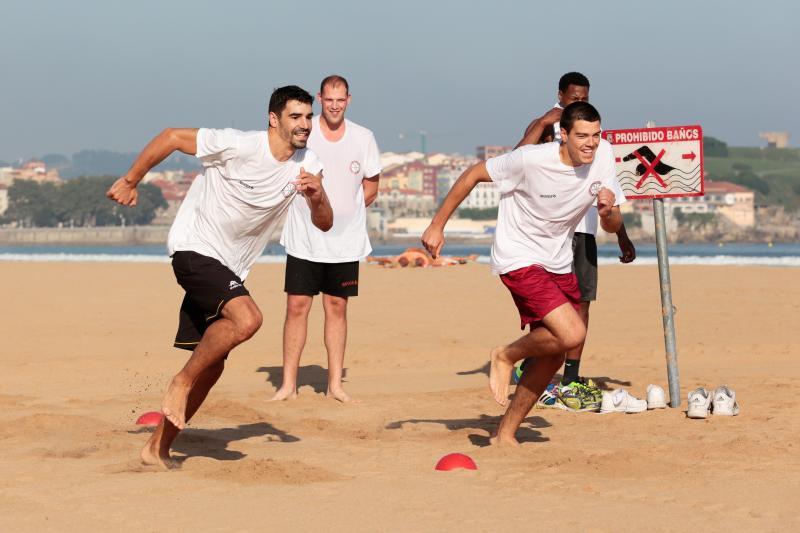 El Círculo Gijón cambia la cancha por la playa