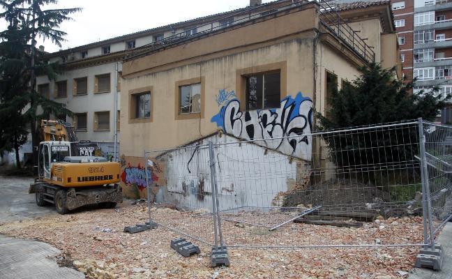 Economía rebajará a la mitad el IBI a las constructoras para los edificios en obras en 2019 en Oviedo