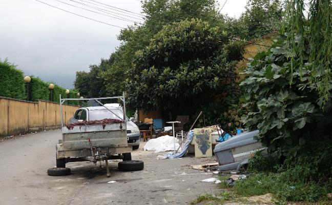 Llanes solicita al Principado el desalojo de las viviendas sociales del Tanatorio