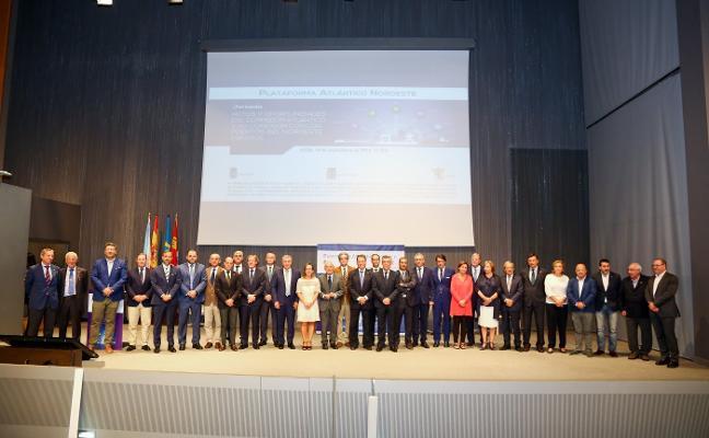 Fomento impulsará el Corredor Atlántico «al mismo nivel que el del Mediterráneo»
