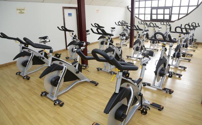 Ribadesella dota a su polideportivo de diecisiete nuevas bicicletas de 'spinning'