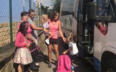 Denuncian discriminación en el acceso al autobús escolar rural de Los Cuarteles