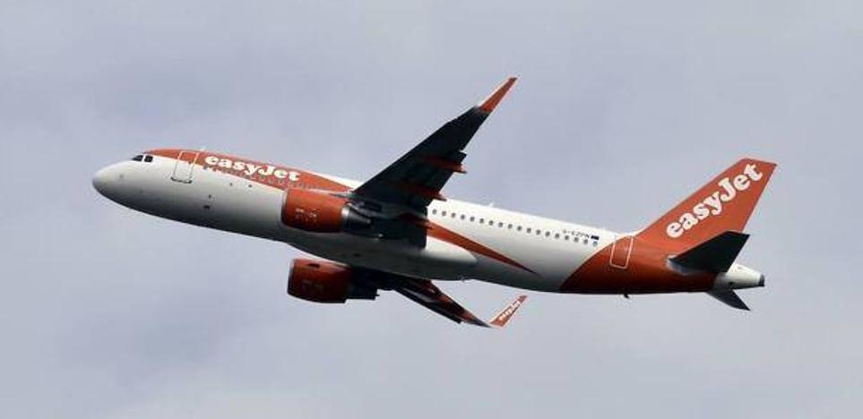 Easyjet anuncia que se va de Asturias