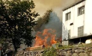 El alcalde de Santa Eulalia de Oscos, Marcos Niño, provoca accidentalmente un fuego en su propia finca