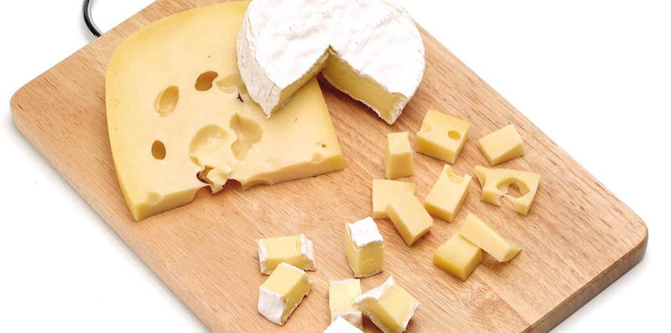 Muere un niño de 13 años por una reacción alérgica tras echarle un compañero queso por encima