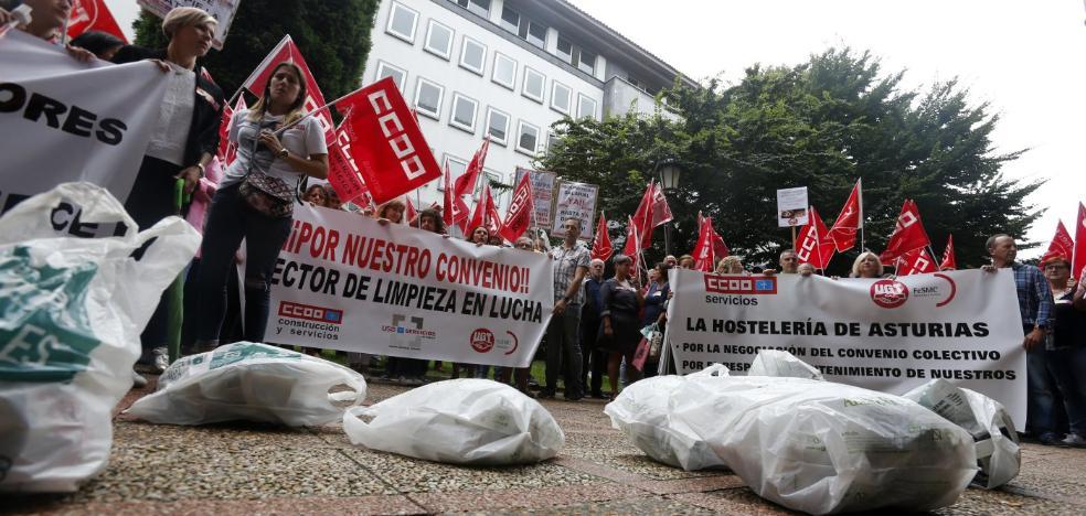 El sector de la limpieza, con 12.000 empleados, anuncia una huelga indefinida en Asturias