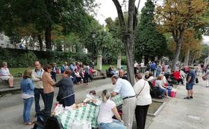 El 'día del bollo' calienta San Mateo en Oviedo
