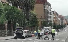 Detenido un conductor tras provocar un accidente en Tenderina Alta en Oviedo