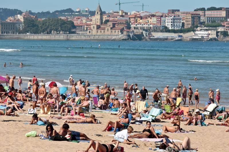 Asturias cierra el verano con sol y calor