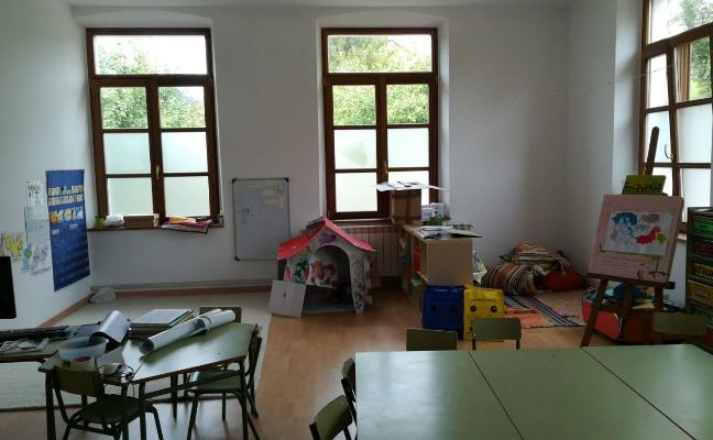 Cabranes renovará la fachada y el tejado de la escuela de Santolaya a finales de año