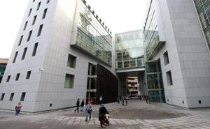 La Fiscalía pide dos años de prisión para una mujer por abusar sexualmente de un menor en Oviedo