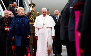 El Papa llega a Lituania para su recorrido por los países bálticos
