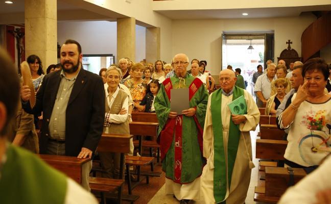 Llanera despide a Ignacio Gallo tras más de tres décadas como párroco