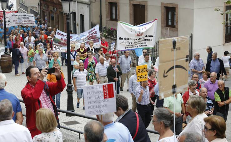 Los pensionistas reclaman en Candás que se blinden las pagas