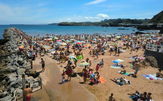 Menos bañistas e incidencias en las playas de Carreño