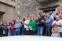 Más de un centenar de personas arropa a la Corporación de Riosa ante las amenazas