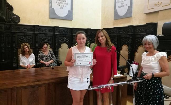 Astorga premia a una alumna del Marillac