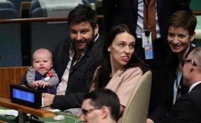 La 'premier' de Nueva Zelanda se lleva su bebé a la cumbre de la ONU