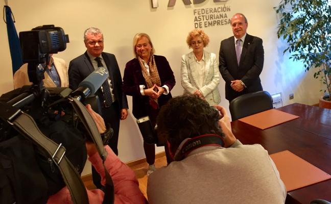 Mercedes Fernández abre la puerta del PP a Cristina Coto