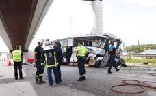 El conductor del accidente de Avilés «no se acuerda ni de cuando inició el viaje»