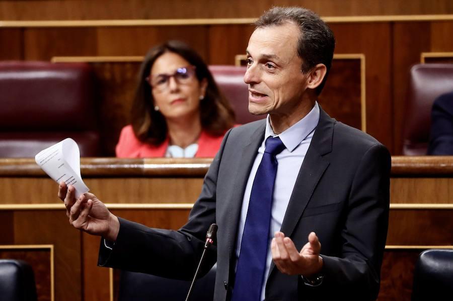 La oposición pide a Pedro Duque que explique la compra de un chalé a través de una sociedad