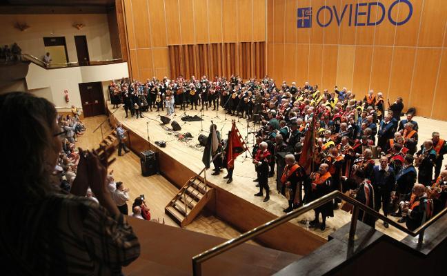 'Clavelitos' y piropos en el Auditorio