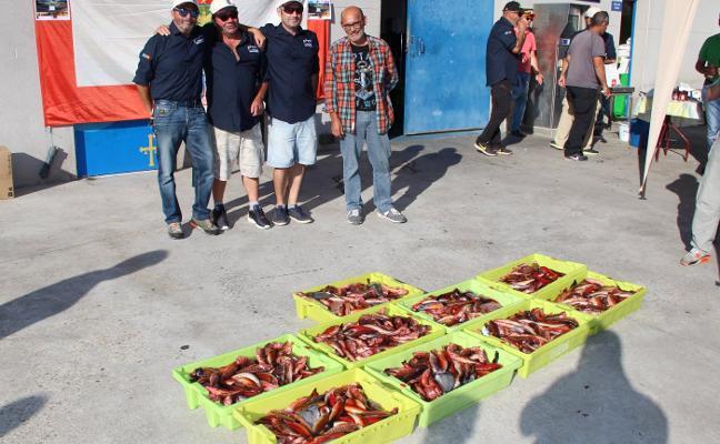 255 kilos de pescado solidario en Candás