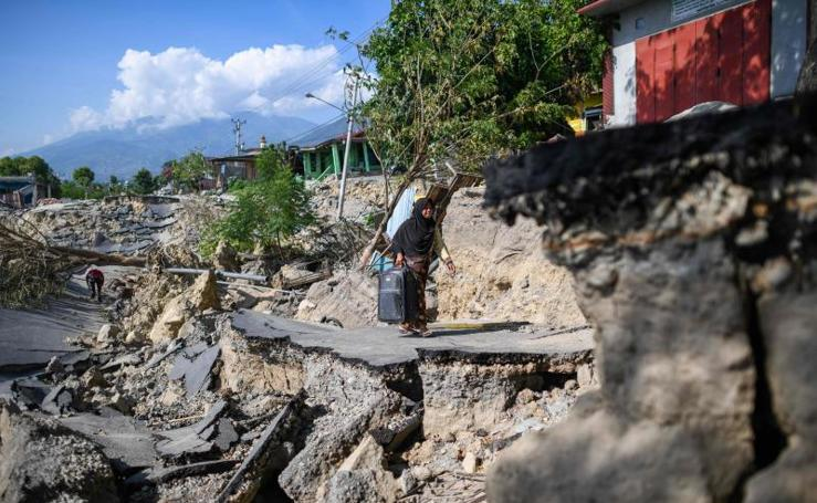 Las imágenes del devastador tsunami en Indonesia