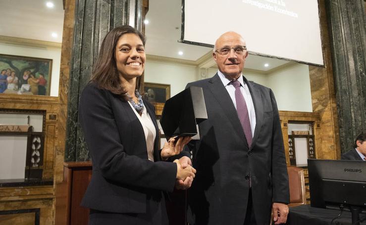 Laura Díaz Anadón, premio de la Fundación Banco Sabadell