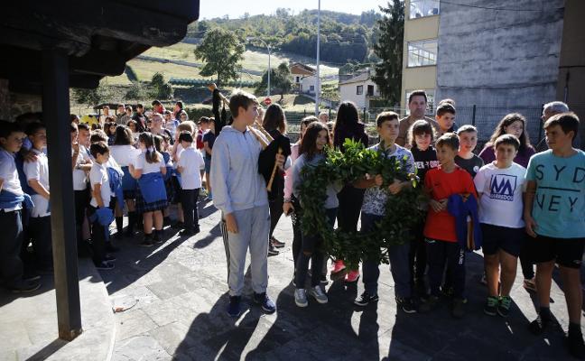 Entrialgo celebra los 165 años del nacimiento de Armando Palacio Valdés