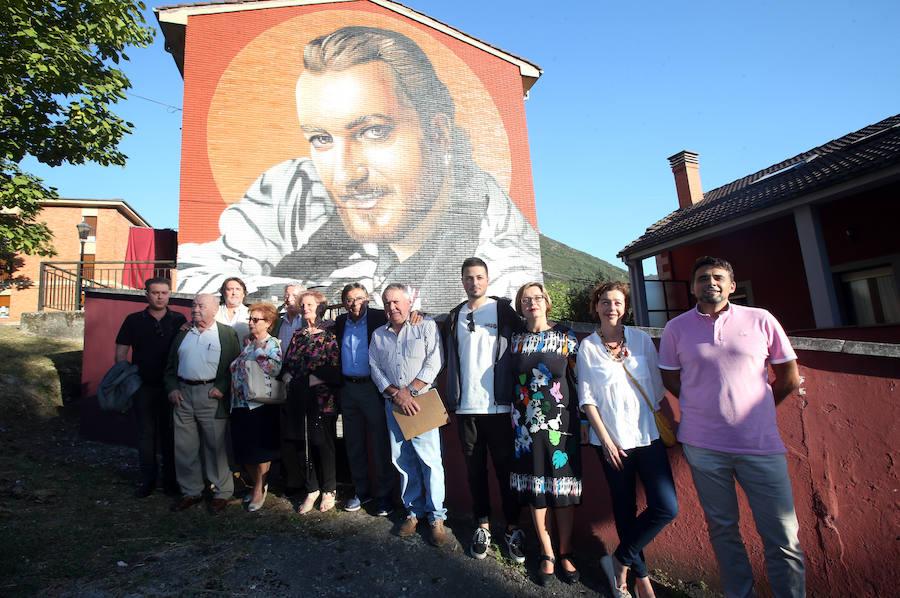 Oviedo homenajea a Tino Casal con un mural en Tudela Veguín