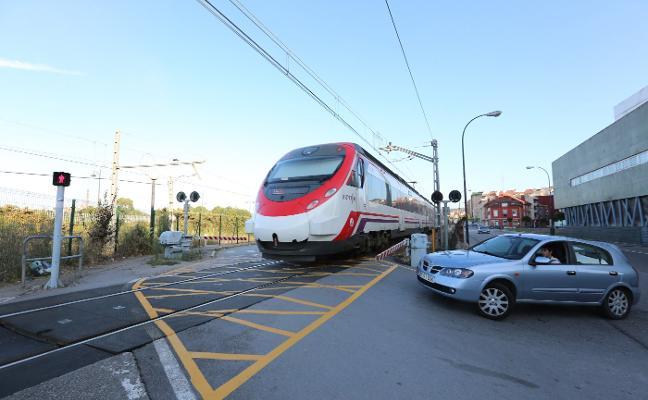 Fomento prevé el aumento de trenes entre Avilés y Oviedo antes de final de año